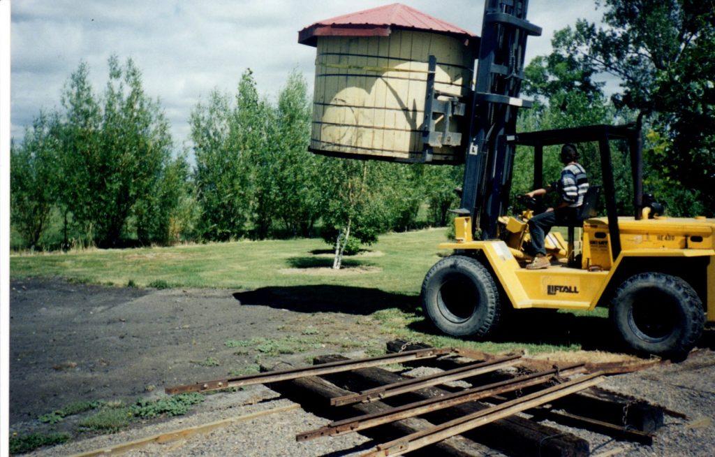 1999 Track Construction – Baker\'s 10 Acre Railway Gardens